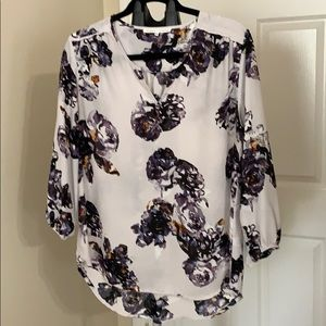 Flirty flowered blouse